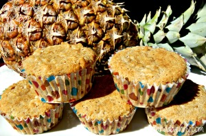 pinapplecoconutmuffins